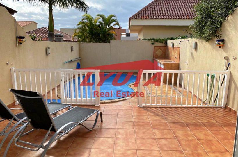 Adosado con piscina propia en venta en Tenerife